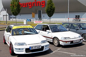 Two white Honda Civic EF9 at the EE-Meeting