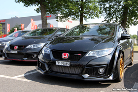 Two black Honda Civic Type R FK2R at the EE-Meeting