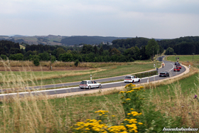 EE-Meeting convoy from far on the highway