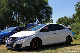 White Civic Type R FK2 at the Hondapower-Meet