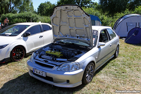 Silver Civic EJ9 with open hood at the Hondapower-Meet