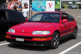 Roter Honda CRX EE8 auf Rays Felgen