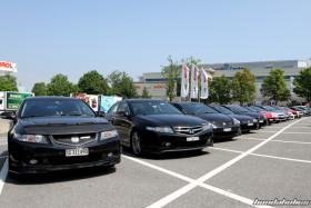 Zwei schwarze Honda Accord CL9 nebeneinander