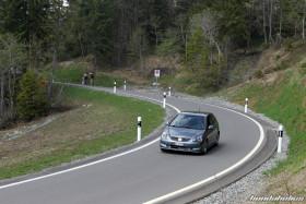 Grauer Civic Type R EP3 auf der Passfahrt