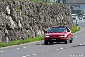 Roter Honda CRX EE8 auf der Landstrasse