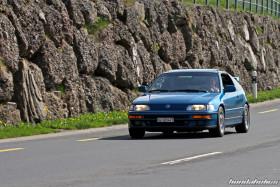 Blauer Honda CRX EE8 auf der Landstrasse